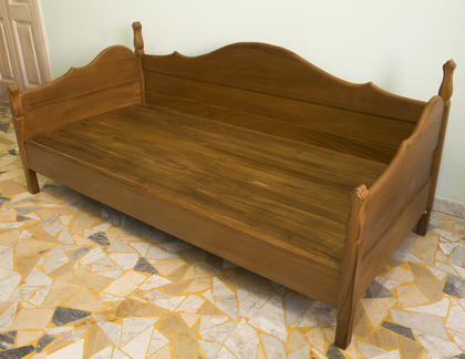Walnut Bench Bed