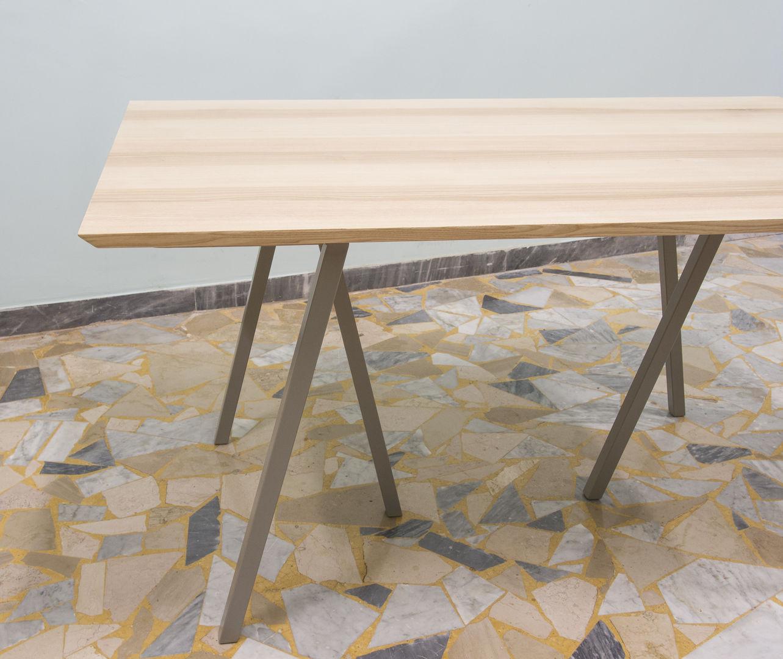 Tavolo in legno di frassino con prolunghe ebanisteria for Tavolo legno frassino