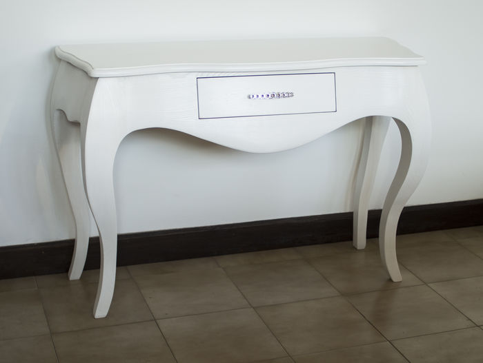 White Console in ash wood